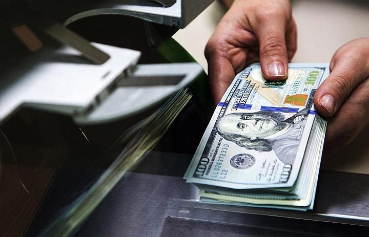получение средств в долларах