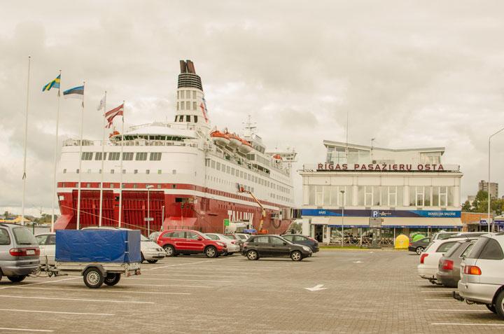 Рижский морской порт фото