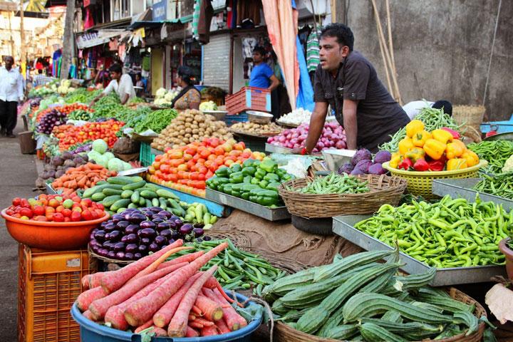 Вуличні ринки в Індії фото
