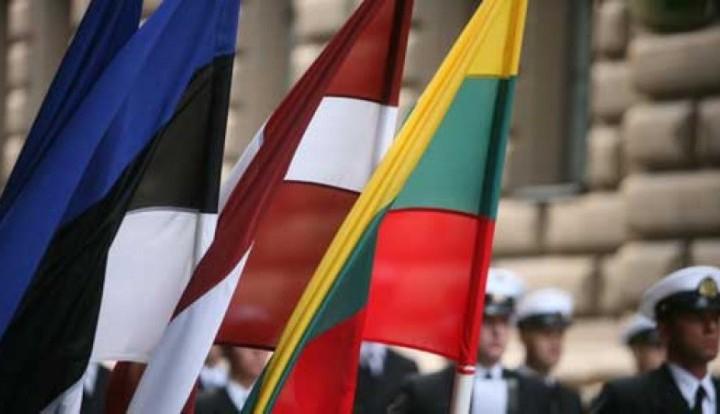 флаги стран Балтии