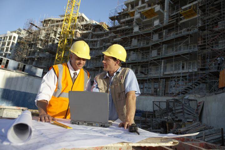 строители во Франции